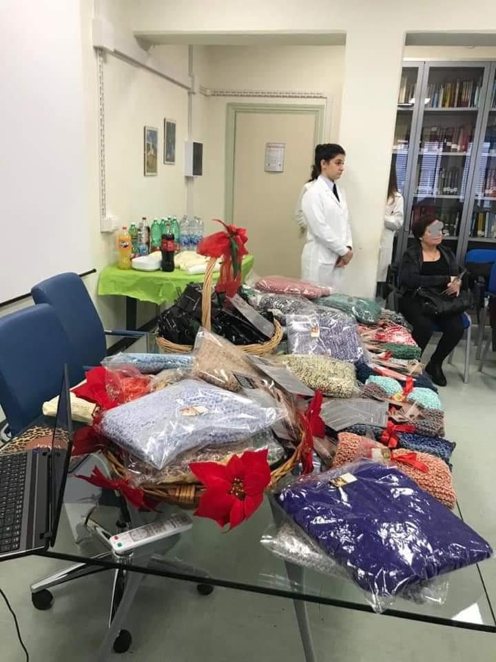 2019.12.18. Festa di Natale con i pazienti dell_ambulatorio il corpo ritrovato